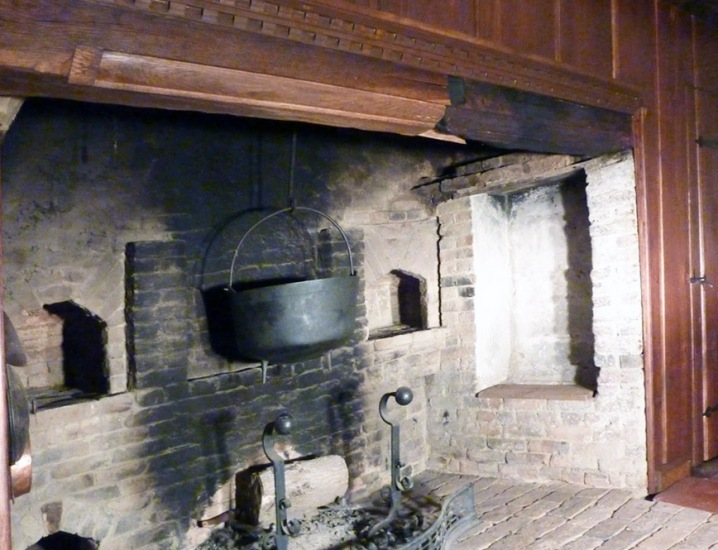 Fireplace in the Daniel Lummus house