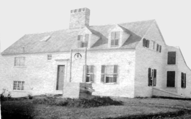 The Hart House before the gambrel-roof barn-like addition was added on the right siide