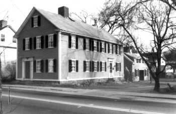 The Asa Wade house, approximately 1990. Photo by the Ipswich Historical Commission.