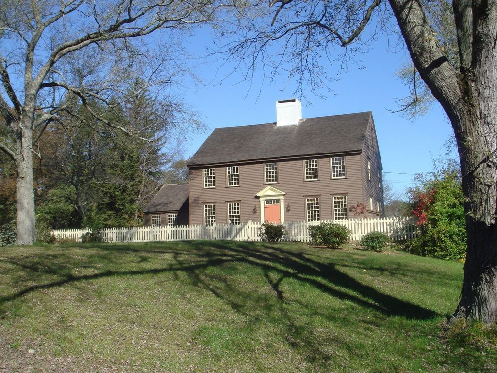 First Period and other Colonial-era houses of Ipswich ...