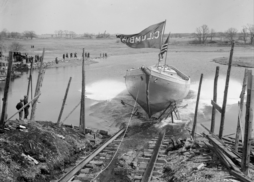 essex_launch_of_columbia