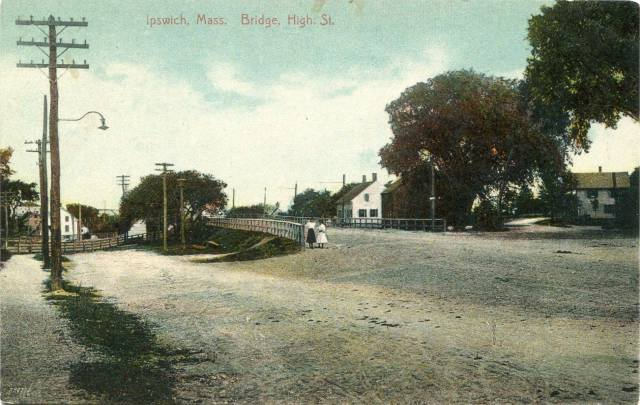 The first bridge over the tracks at High Street was built in 1906