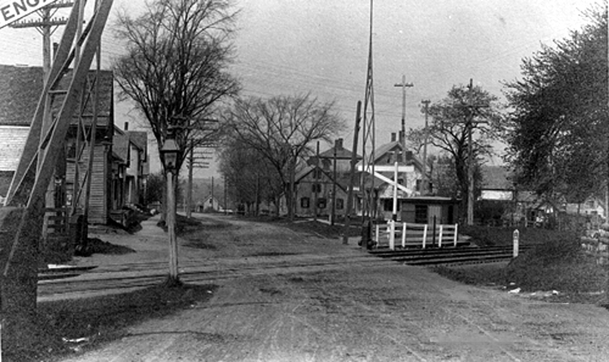 Railroad crossing at High St.