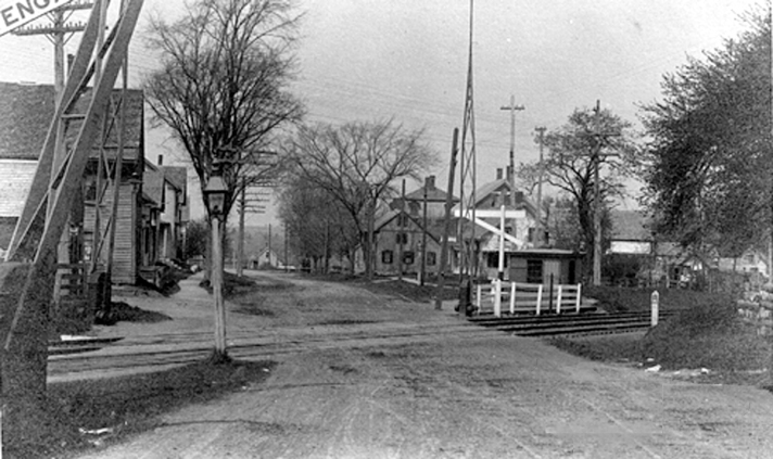 High Street crossing before the bridge was built