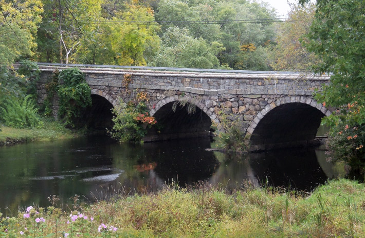 The Warner bridge on the Ipswich River connects Ipswich and Hamilton.