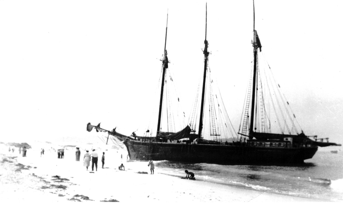 bleached schooner Thomas H. Lawrence