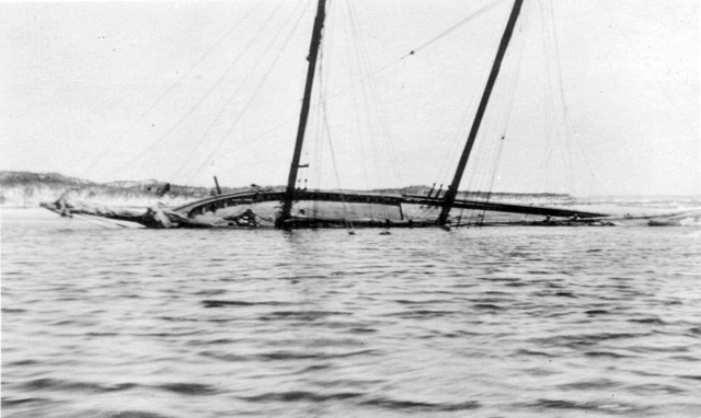 Wreck of the Edward S. Evelyth.