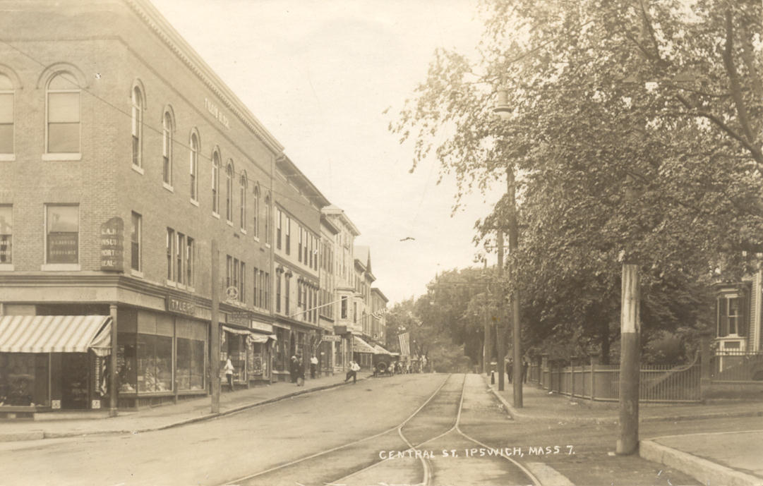 The newly built Tyler Block, 1910. Note the trolley tracks.