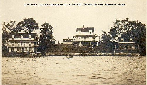 There were many houses on Grape Island in the first half of the 20th Century