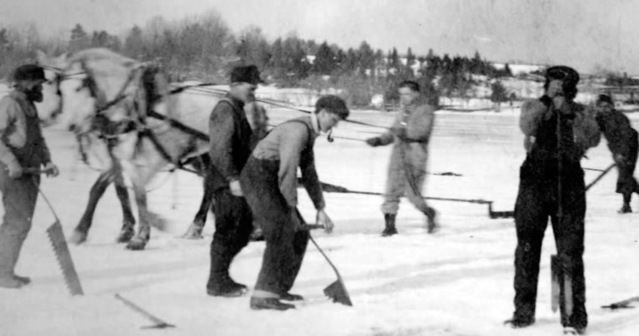 ice_cutters_ipswich_river