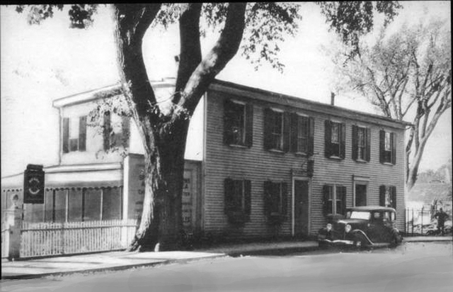 The Ipswich Tea House was on South Main Street in the building that now houses the Quebec-Labrador Foundation.