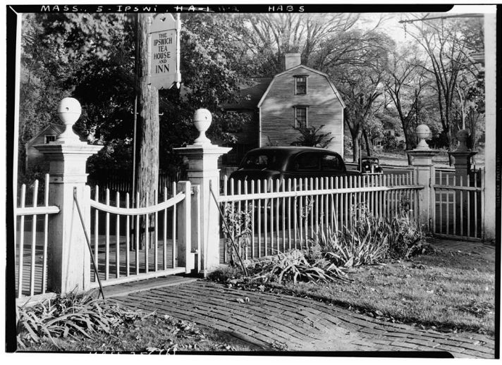 Photo from the 1938 HABS survey of historic buildings in Ipswich