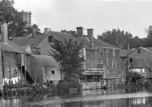 Rear of the Manning house, facing the Ipswich River. Photo by George Dexter, circa 1900.