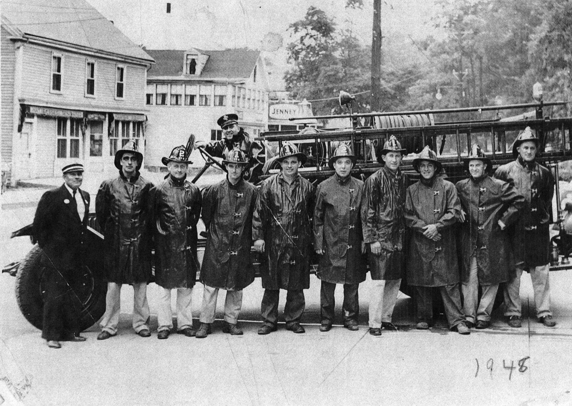 central_st_firemen_1948_Ipswich_museum