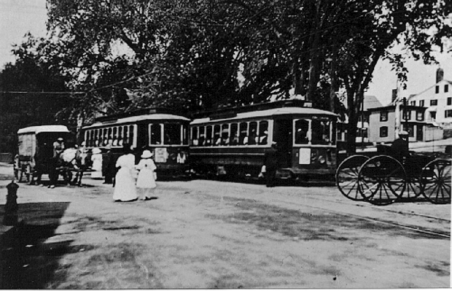 Trolleys unloading at Market Square