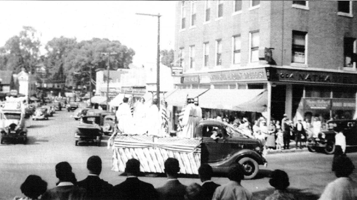 1937 Fourth of July parade in Ipswich