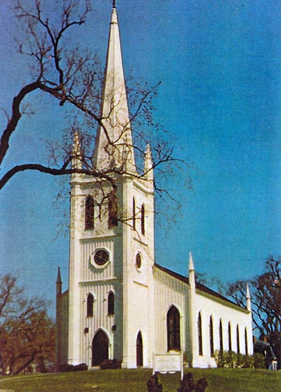 Ipswich First Church before it burned in 1965