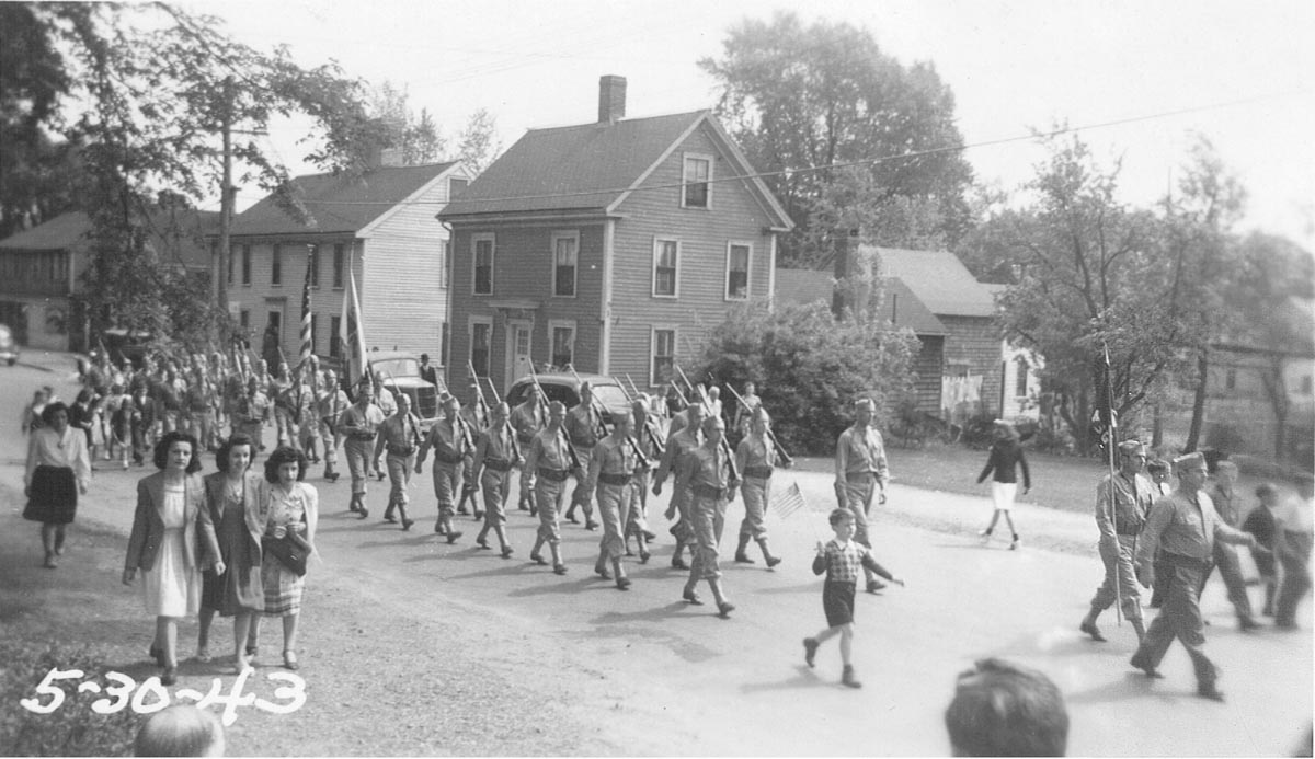 1943 Memorial Day parade in Ipswich
