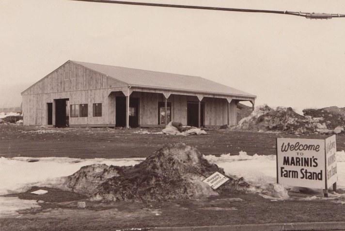 Marinis farm stand under construction