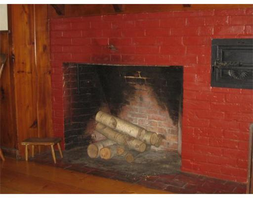 stonerust_fireplace