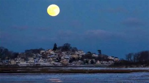 Wolf moon over Little Neck