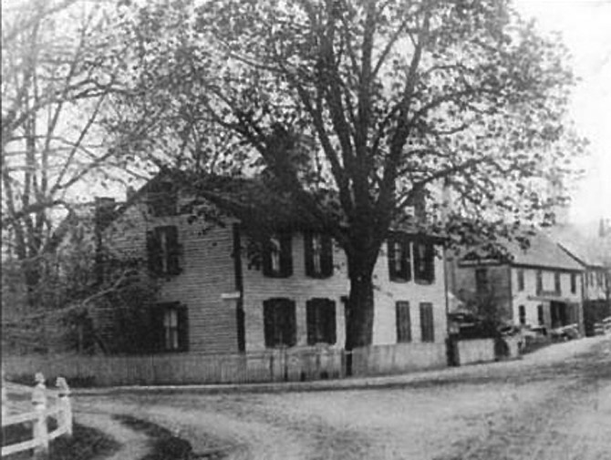 A view of the Benjamin Grant house on County St., early 1900's.