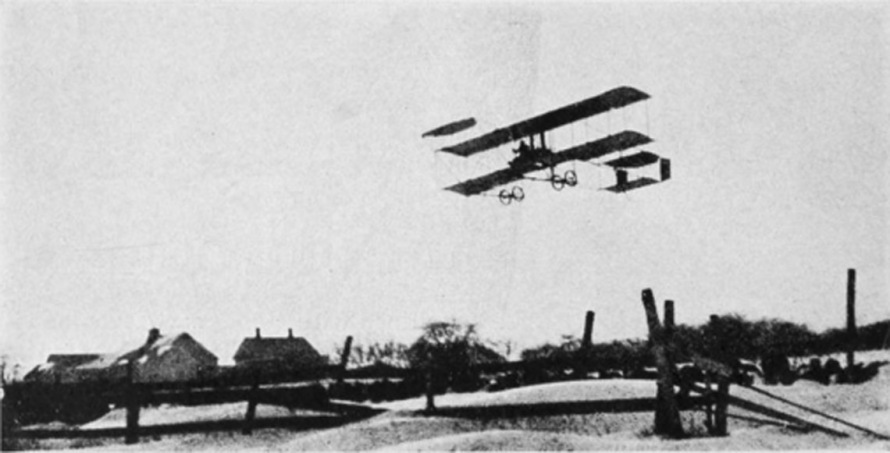 burgess_in_flight_moulton_farm