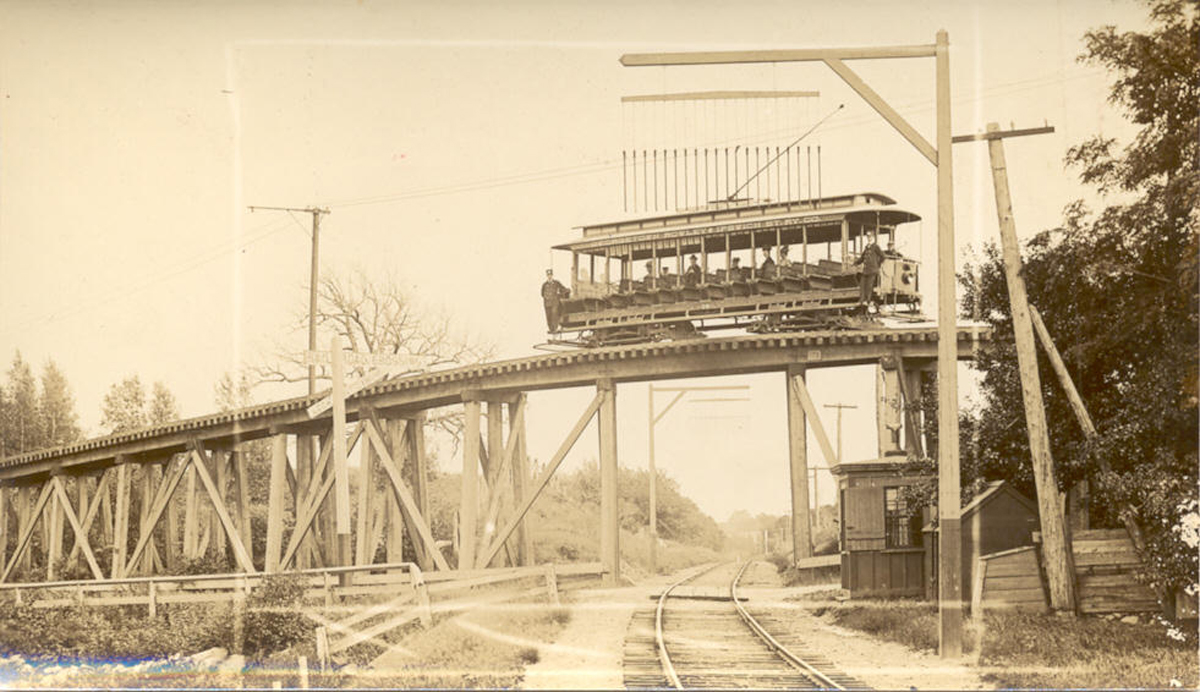 trestle allowing the Georgetown-Ipswich trolley to cross the railroad tracks.