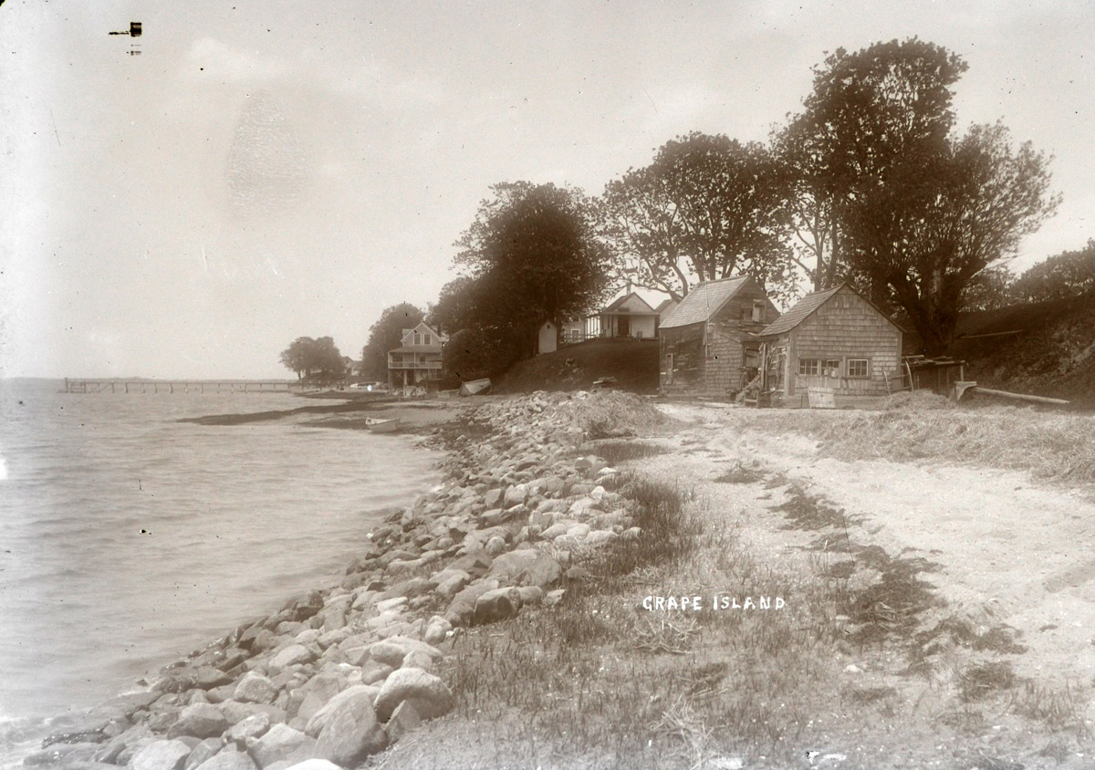 Grape Island houses by George Dexter