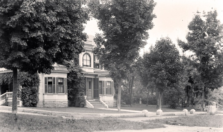 High St. mansion, no longer standing
