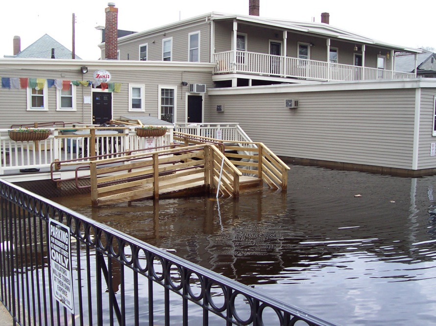 2006 Ipswich Mothers Day Flood . Photo courtesy Ipswich River Watershed Association
