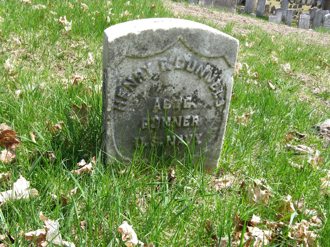 The gravestone of Henry Dunnels at the Old North Burying Ground
