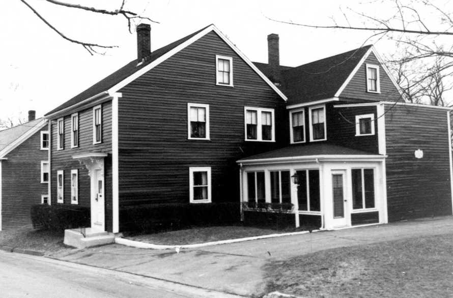 The Thomas Treadwell house from the MACRIS site, around 1980