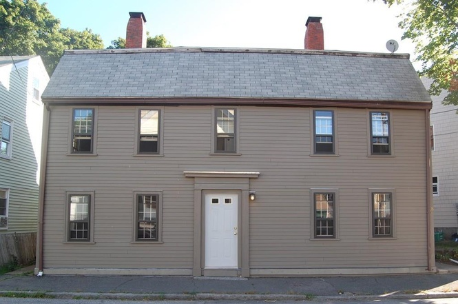 Priestly House, 26-28 Pine St, Gloucester MA, r 1730