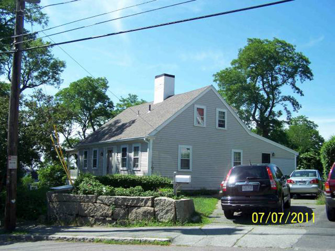 Story, Amos House, 27 Fort Hill Ave, c 1720, Gloucester MA