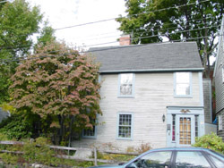 19 Middle St. Marblehead MA c 1709