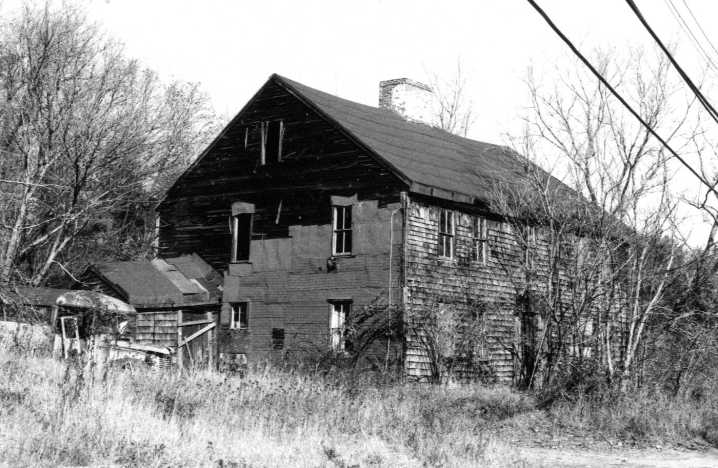 Photo from the MACRIS site, circa 1980, before the house was restored.