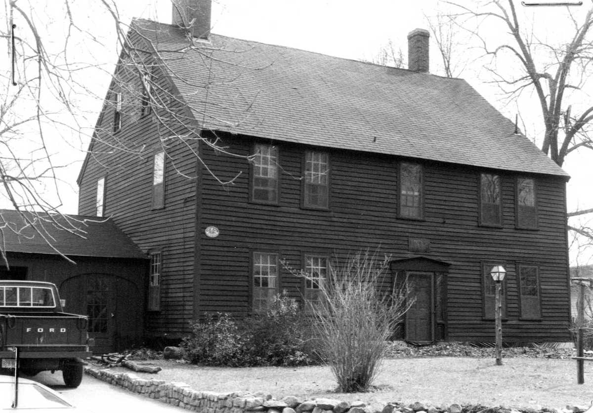Colonial era houses of merrimac massachusetts historic for Home builders in ma
