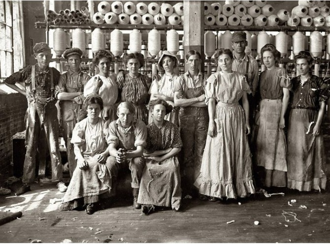 Young women moved from the countryside to work in the cotton mills.