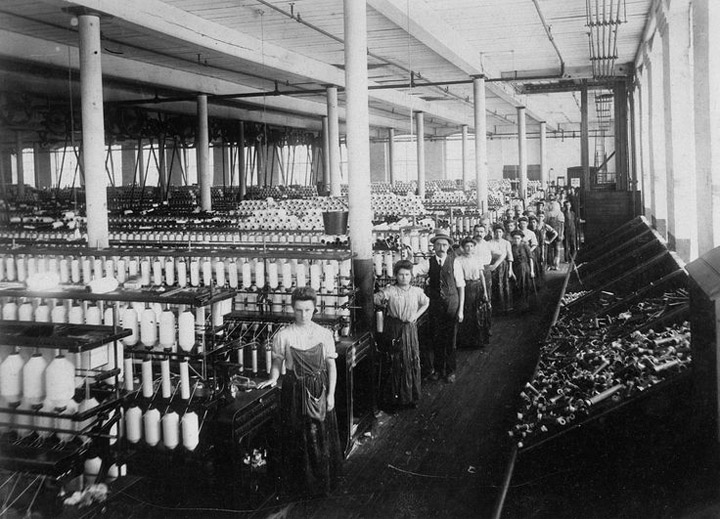 Textile workers in New Bedford