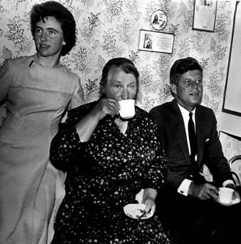 The President had tea with his second cousin Mary Ryan at New Ross.