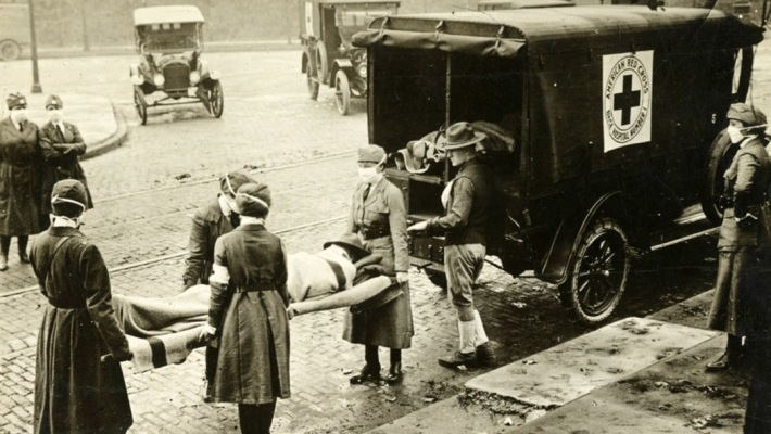 Red Cross carrying Spanish Flu victims