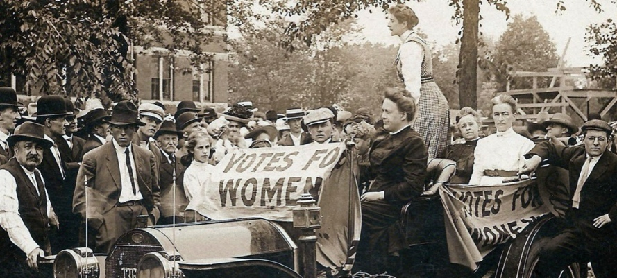 Massachusetts women working for suffrage in the early 20th Century