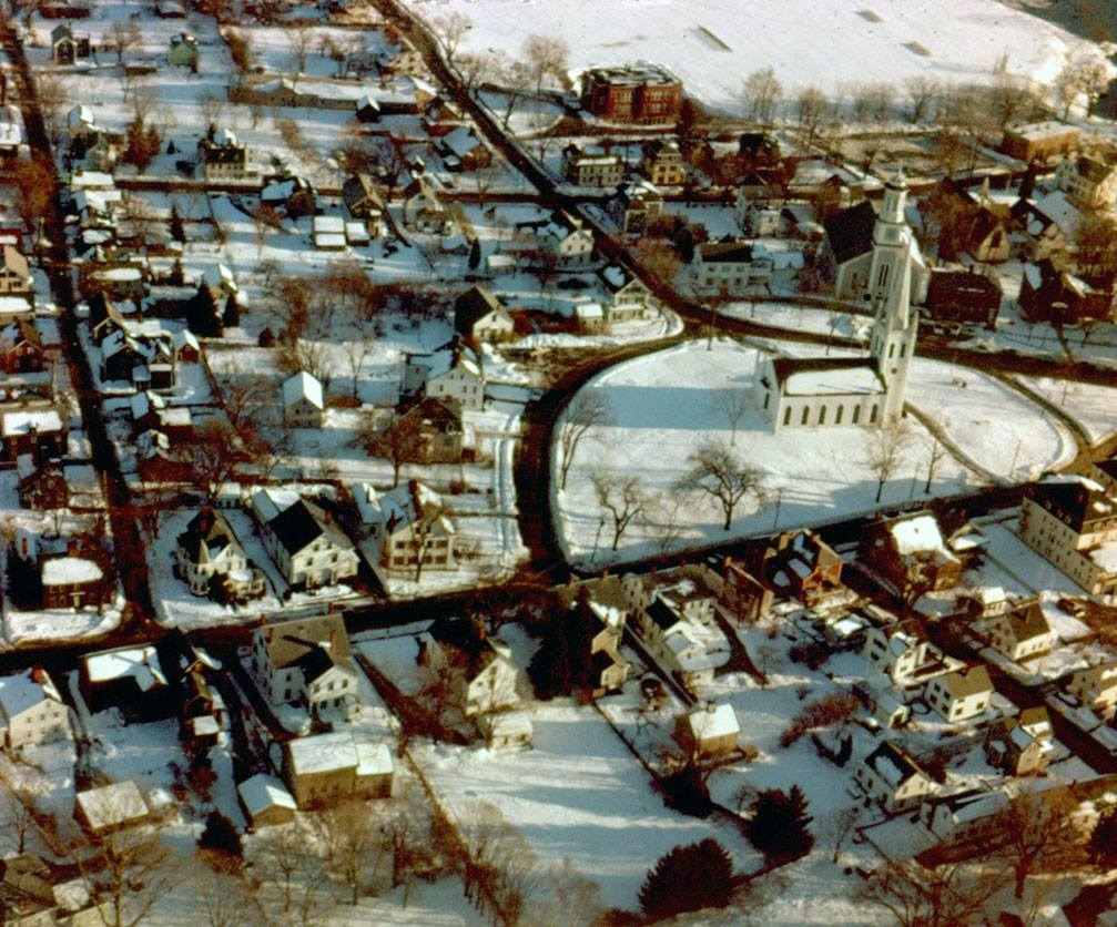 Aerial view of Meeting House Green in Ipswich, circa 1960