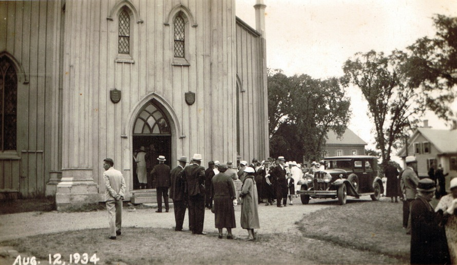 first-church-car-crowd-1934