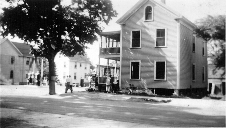 House on Central Street being prepared for moving to Mineral Street
