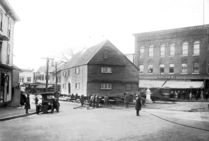 The Whipple House being moved from Saltonstall Street to its present location at the South Green.