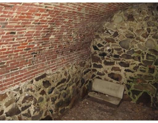Root cellar at the Thomas Low house