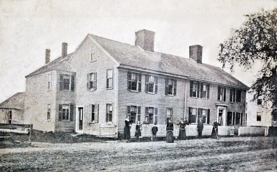 Early photo of the Shatswell house in Ipswich