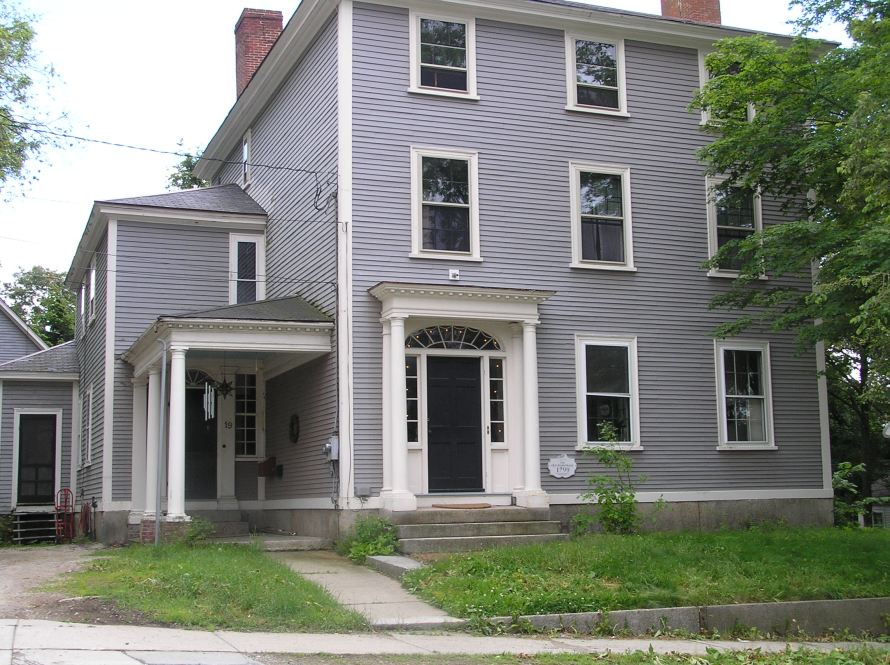 19 North Main Street, Thomas Manning house (1799) - This house was built by Dr. Thomas Manning in January, 1799, and remained in the family until 1858, when it became a parsonage. This house is protected by a preservation agreement between the owners and the Ipswich Historical Commission.